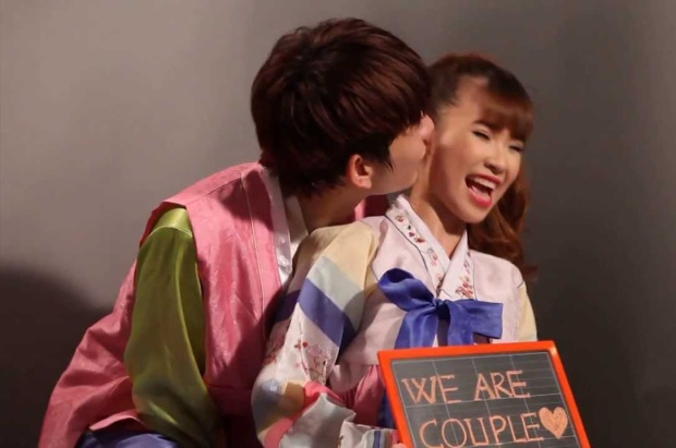 Kelvin Khánh mới chỉ hôn má thôi mà Khởi My đã phấn khích như này rồi…