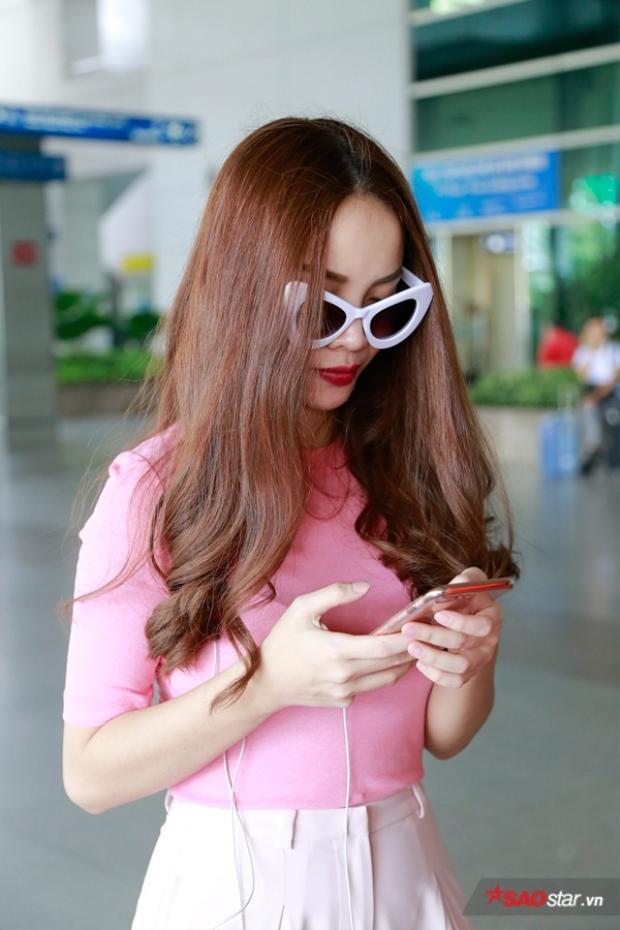 Celine Farach  cô nàng xinh đẹp nhất mạng xã hội được dàn sao Việt hùng hậu đón tiếp!