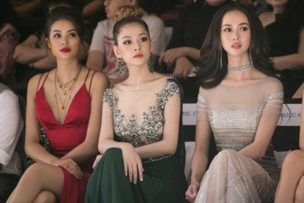 Cả Phạm Hương, Chi Pu cùng Vũ Ngọc Anh đềutỏa sáng khi ngồi hàng ghế Front Row trong show diễn VIFW Xuân Hè năm nay.