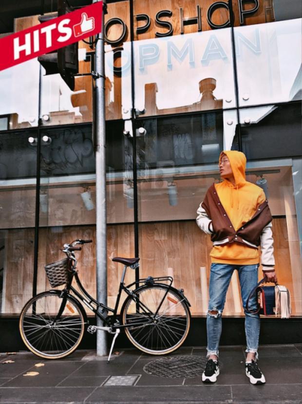 Stylist Bảo Trung cũng miễn nhiễm với sức nóng của Fashion Week, anh khoe street style cùng những items đơn giản nơi trời Tây. Được biết, anh sẽ tham gia Tuần lễ thời trang tại Úc trong thời gian tới.