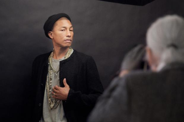 Pharrell là mẫu nam duy nhất và đầu tiên trở thành gương mặt đại diện cho thương hiệu Chanel.