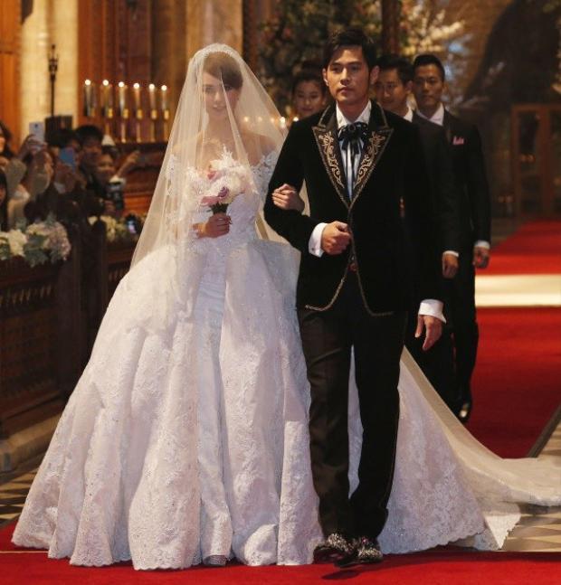 Châu Kiệt Luân tổ chức hôn cùng Côn Lăng lễ tại Anh.