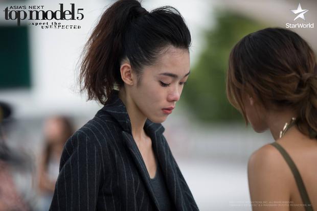 Ngay từ tập đầu, Minh Tú đã gây được thiện cảm khi là thí sinh duy nhất đứng ra khuyên nhủ và động viên tinh thần Layla khi cô nàng muốn bỏ cuộc.