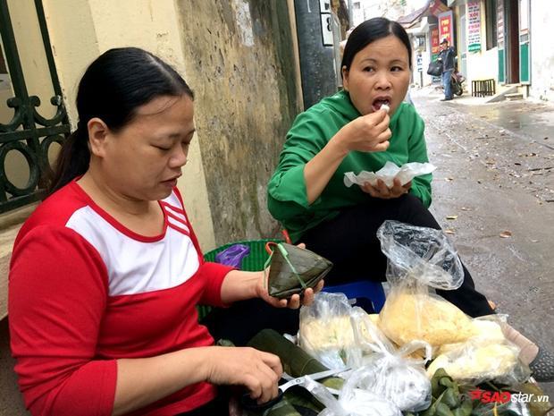 Hàng cơm nắm của chị Nguyễn Thị Hồng (quê Hưng Yên).