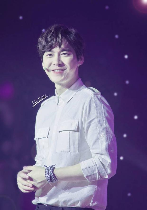 Trang Weibo cá nhân của nam diễn viên đang sở hữu 37 triệu lượt theo dõi.