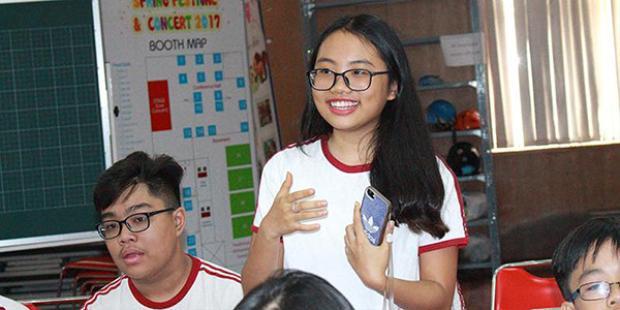 Cô bé nhiệt tình tham gia các hoạt động, cuộc thi của trường.