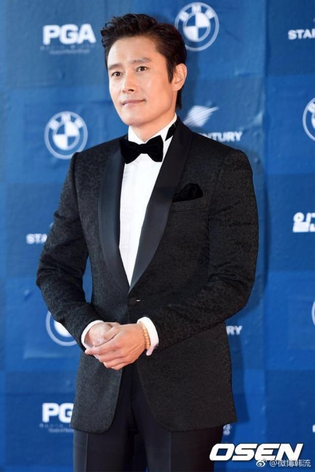 Lee Byung-hun,khởi nghiệp từ năm 1991, đến nay khi đã ở tuổi 46 mức độ nổi tiếng của anh phủ sóng cả Hollywood.