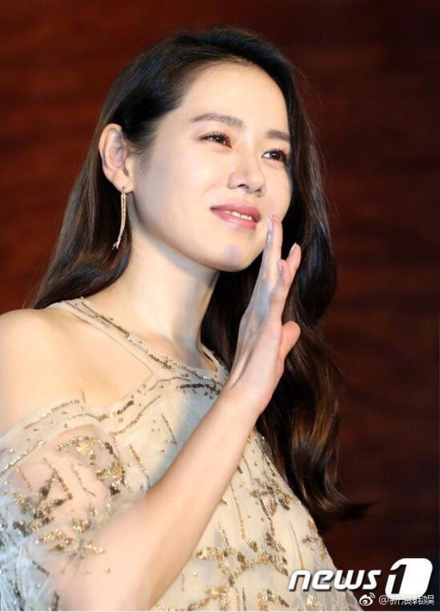 """Ở tuổi 35, nữ diễn viên thực lực xứ Hàn """"bỏ túi"""" không ít giải thưởng lớn. Cô là một trong số ít diễn viên nhận được nhiều giải Nữ diễn viên chính xuất sắc nhất tại các kỳ liên hoan phim lớn nhỏ nước nhà."""