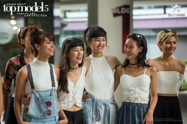 Nhóm may mắn giành chiến thắng tuần này là 4 cô nàng Clara, Dorothy, Maureen và Cindy.