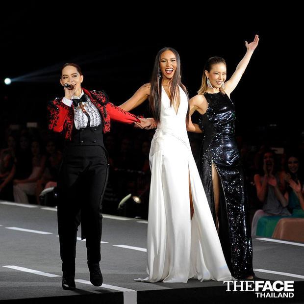 Grace và màn hội ngộ cảm động với hai HLV của mình là Marsha và Cris.