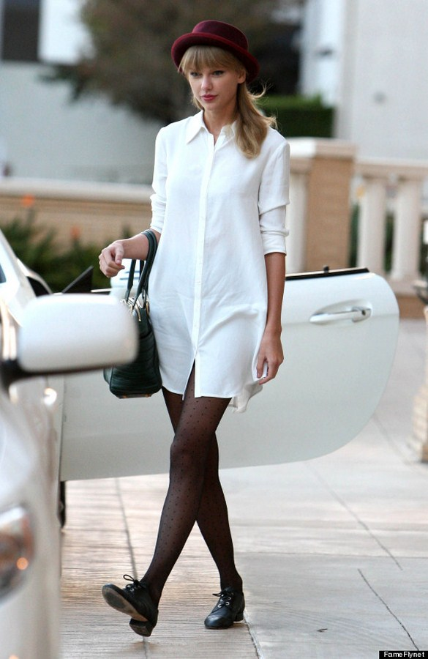 Bạn đã có một chiếc White Shirt Dress trong tủ quần áo của mình chưa?