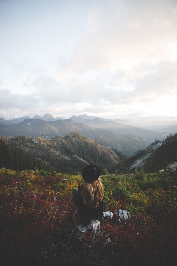 Khung cảnh, thời tiết và một nhịp sống xung quanh hoàn toàn khác. Tất cả những thứ đó sẽ chỉ thuộc về riêng bạn khi đi du lịch một mình.