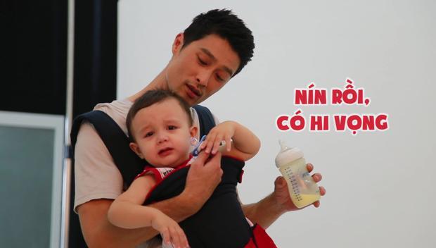 Trai đẹp Johnny Trí Nguyễn chật vật làm vú em trong phim điện ảnh mới