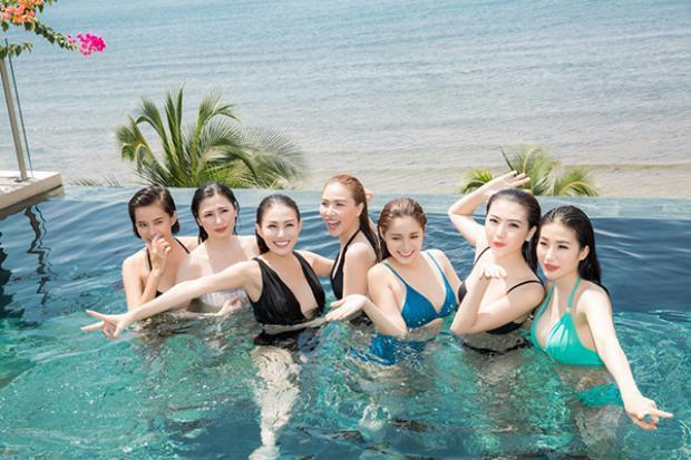 Các người mẫu hào hứng chuẩn bị cho Đêm hội chân dài 11 diễn ra vào ngày 10/6 sắp tới.
