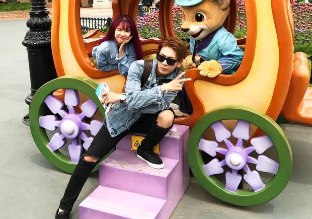 Khởi My - Kelvin Khánh hào hứng khám phá công viên giải trí Everland.