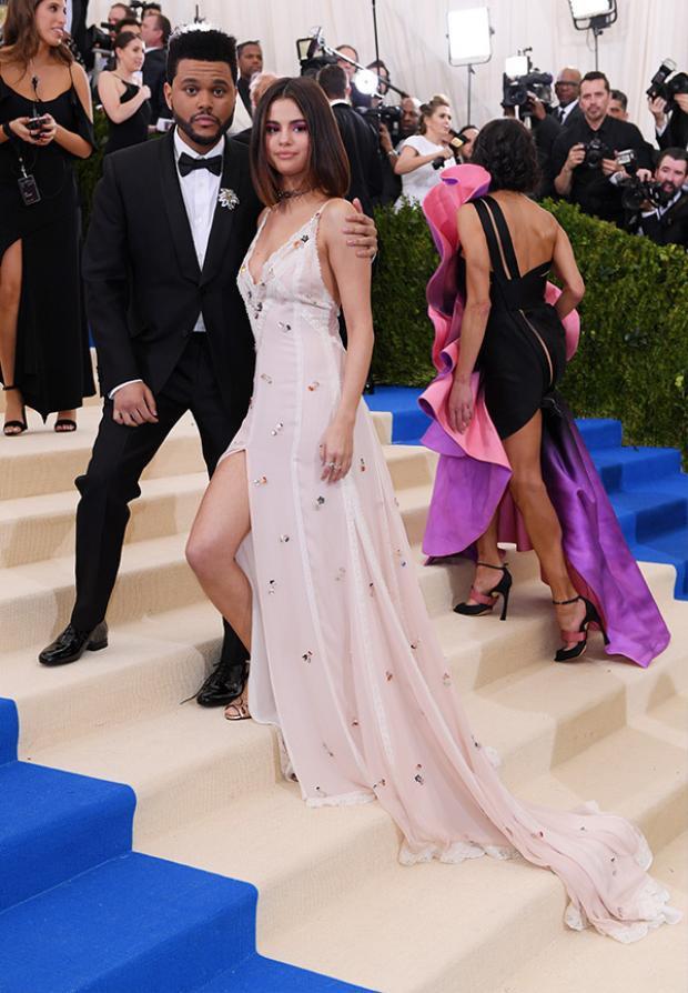 Như hình với bóng xuất hiện cùng nhau tại sự kiện thời trang Met Gala 2017.