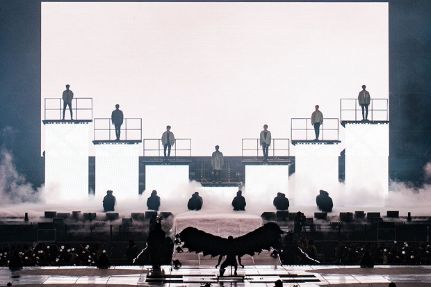 Hiện BTS vẫn đang thực hiện tour concert vòng quanh thế giới của mình với điểm đến là các nước châu Á sau khi đã hoàn thành các đêm diễn tại Bắc và Nam Mỹ.