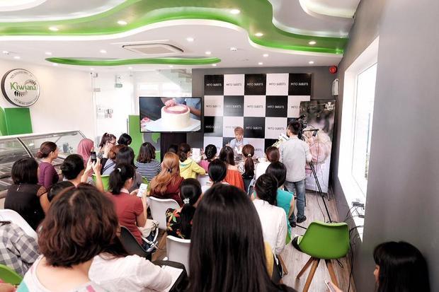 Workshop tổ chức với quy mô hoành tráng, luôn đầy ắp người tham gia.