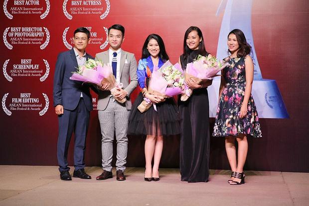 Dàn sao Việt tụ hội chúc mừng thành công phim Đảo của dân ngụ cư