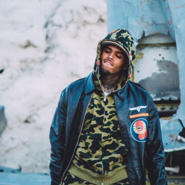 Ai chứ giọng caWith You- Chris Brown thì chất khỏibàn rồi.