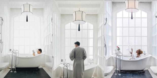 """Góc bồn tắm được thiết kế sang trọng mà vẫn len lỏi chút """"thơ"""" khiến ai tới cũng muốn lưu lại khoảnh khắc này."""