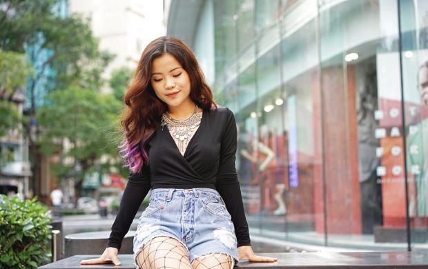 Ashley Văn.