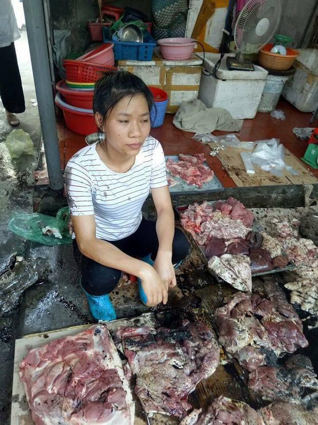Gương mặt thất thần của chị Xuyến sau khi sự việc xảy ra.