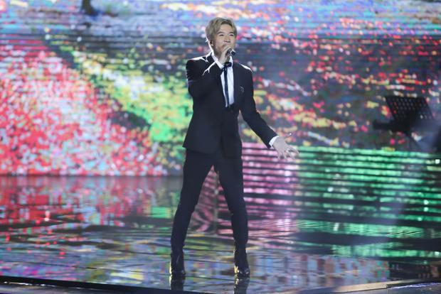 Han Sara khiến 4 HLV lạc trôi với hit Sơn Tùng, Anh Đức hứa hẹn lột xác với vũ điệu Gangnam Style