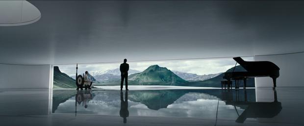 Bộ phim được mở đầu tại thời điểm trước khi con tàu Prometheus cất cánh.