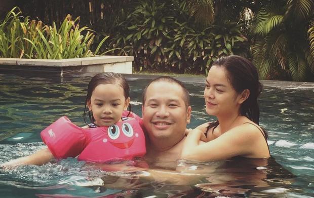 Vợ chồng Phạm Quỳnh Anh - Quang Huy và con gái đầu lòng Tuệ Lâm.