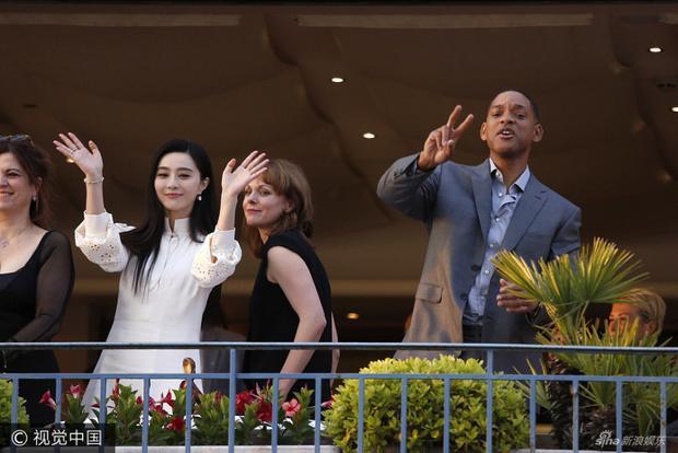 Phạm Băng Băng vui vẻ cười nói cùng Will Smith trước thềm Cannes
