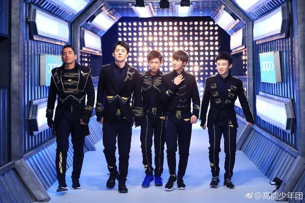 Lưu Hạo Nhiên luôn nổi bật với chiều cao và khuôn mặt điển trai của mình.
