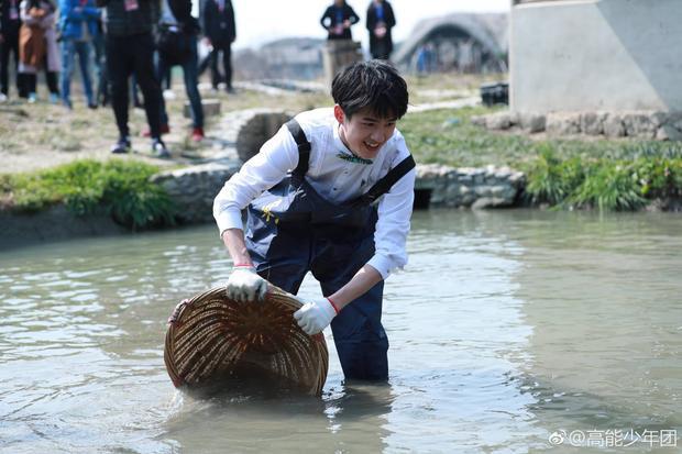 Lưu Hạo Nhiên rất thông minh, luôn tính toán các hoạt động của mình sao cho hiệu quả nhất.