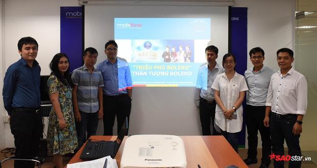 Ông Lưu Thanh Trà - đại diện Công ty TNHH Cát Tiên Sa (thứ 4 từ phải sang) chụp ảnh lưu niệm cùng với các bênđại diện.