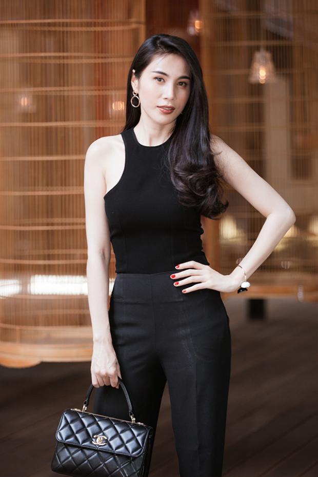 Thủy Tiên không chỉ làm nghệ thuật giỏi mà còn là người phụ nữ đảm đang của gia đình.