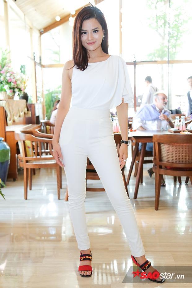 Tạm rút lui khỏi showbiz năm 2011- khi mọi thứ đang ở đỉnh cao, Vũ Thu Phương khiến nhiều ngỡ ngàng khi cô quyết tâm theo đuổi nghiệp thiết kế thời trang. Cho đến nay, thương hiệu của cô đã có vị thế tại thị trường Việt Nam và quốc tế. Các cửa hàng liên tục được mở ra tại nhiều thành phố lớn trên thế giới.