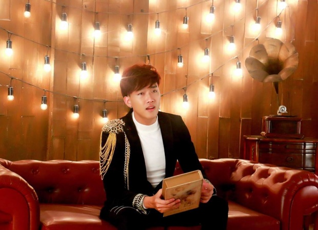 Bước ra từ cuộc thi Thần Tượng Bolero 2016, Đình Phước đã may mắn có được một ekip đầu tư khá mạnh về tiềm lực và tài năng nhằm hậu thuẫn cho anh trong hầu hết các dự án âm nhạc.