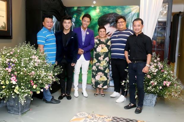 Đến tham dự buổi họp báo còn có nhạc sĩ Nguyễn Quang, đạo diễn Nguyễn Quý Khang, ca sĩ Ưng Hoàng Phúc, Vương Khang,…