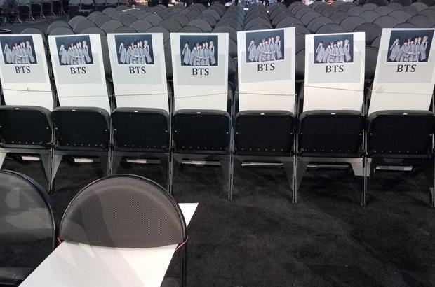 BTS sắp xuất hiện tại BBMAs ở hàng ghế này. Cùng chờ đón các thông tin tiếp theo về BBMAs được cập nhật trên Saostar.vn nhé!