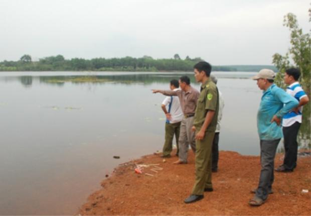 Hồ nước, nơi xảy ra vụ việc. Ảnh Đức Trí