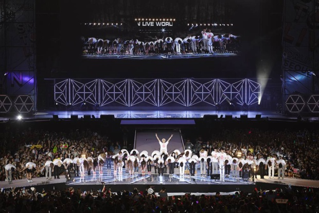 Mỗi đêm SM tour đi qua đều thu hút hàng chục ngàn khán giả.