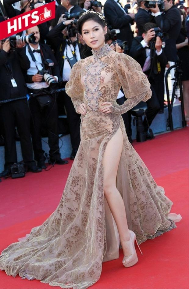 Với lần làm việc chung này, chính nhà thiết kế Galia Lahav đích thân lựa chọn cho Ngọc Thanh Tâm chiếc váy phù hợp nhất khi đến với Liên hoan phim quốc tế Cannes lần thứ 70. Trang phục nằm trong bộ sưu tập Haute couture có trị giá gần 1 tỷ đồng. Cô nàng hoàn toàn lột xác với diện mạo cuốn hút trên thảm đỏ lần này.