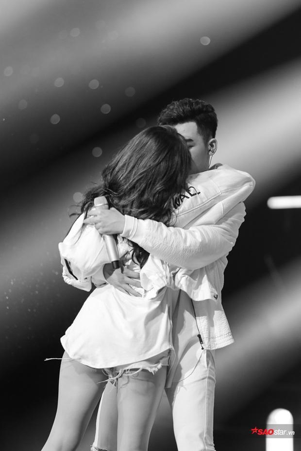 Ali Hoàng Dương hát hit Justin Bieber đốt cháy sân khấu Bán kết The Voice