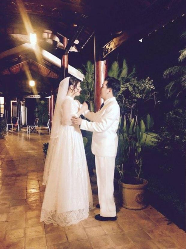 Hình ảnh bị rò rỉ, được cho là ảnh cưới của Trường Giang và Nhã Phương.