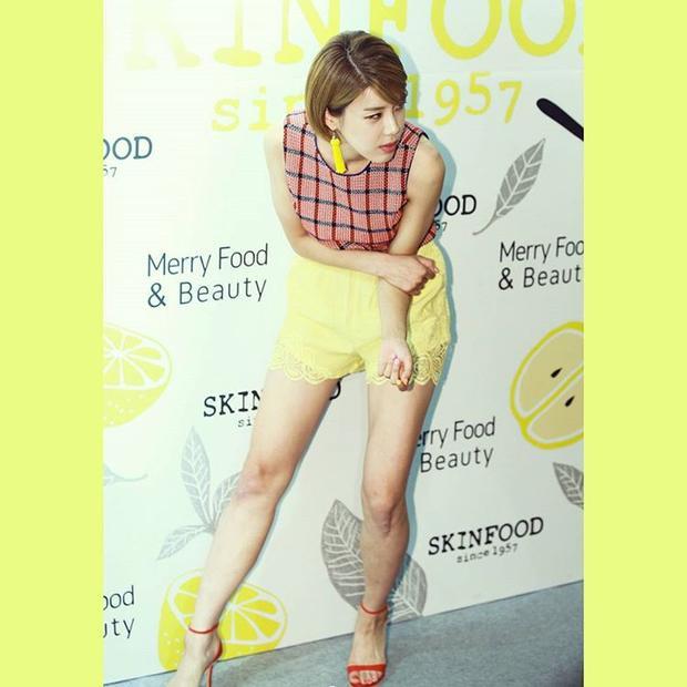 Ngay cả khi làm khách mời của một thương hiệu, tài nữ họ Jang cũng không quên thể hiện hết mình.