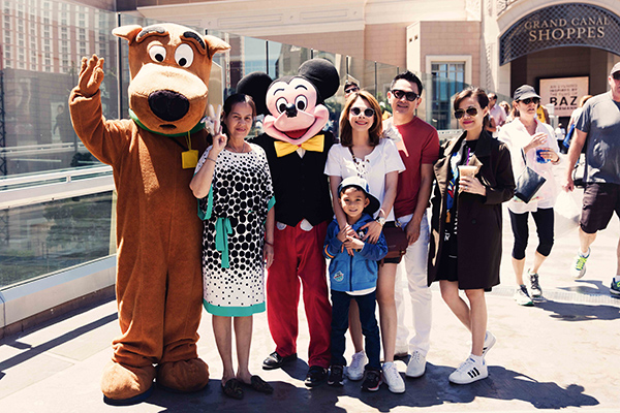 Thanh Thảo cùng bạn trai đi du lịch với mẹ, em gái Thụy Anh và con trai Jacky.