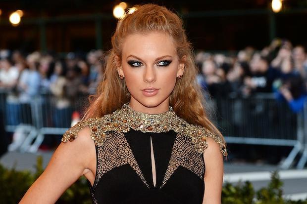Taylor Swift muốn dùngBad Bloodđể nói về kẻ khiến mình không vừa mắt.