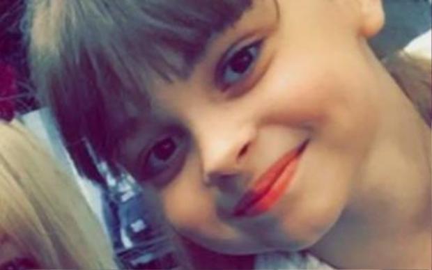 Bé Saffie Rose Roussos (8 tuổi).