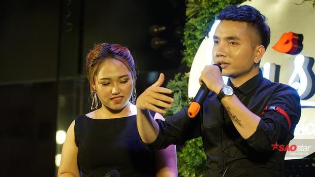 Nhạc sĩ trẻ Dương Quang Tú đồng hành cùng Hồng Ngọc.Anh cũng là tác giả sản phầm đầu tay của cô -Chuyện của ngày hôm qua.