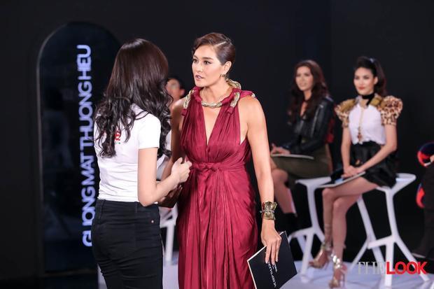 HLV Lukkade quan sát rất kĩ các thí sinh. Mỗi gương mặt được cô chọn về The Look đều phải có nét độc đáo và sức hút riêng.